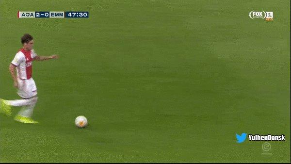 Ajax - FC Emmen 2-0 door Hakim Ziyech