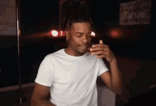 The damn ghettoo RT @QueenBandit: Ceaser sending this girl money and he aint even paid his rent. Whew chile!   #BeforeThe90Days #90DayFiance