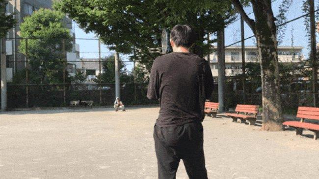 甲子園決勝の日、野田せいぞが剛速球を投げる記事を出しました。手をシワシワにすれば摩擦力が上がって「豪速球」を投げれるのでは? | オモコロブロス!