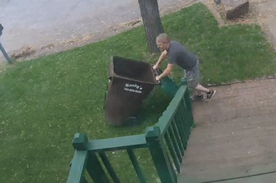 #ThingsYouDoEverydayIn4Words Take out the trash