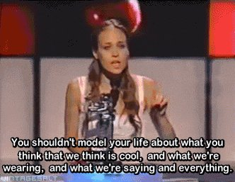 Happy fucking birthday to the greatest songwriter of all time, Fiona Apple. My Virgo powers are at its peak