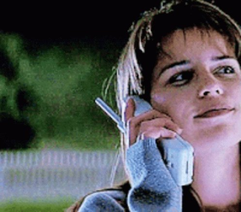 Happy Birthday to Canadian actress Neve Campbell who turns 46 today.