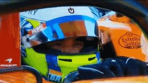 Nobody Lando Norris:The driver parade lap is quicker than my Q3lap 🤣 @LandoNorris  #SingaporeGP https://t.co/dvliNrKD2a