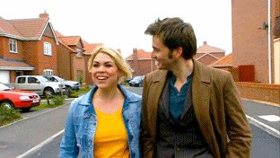 Happy Birthday to Billie Piper.  She did a magnificent job playing Rose Tyler