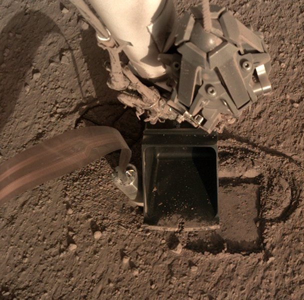 Good news from #Mars! Confirmed! ✅ After 3 cm progress, it appears the @DLR_de 'Mole' on @NASAInSight was not stopped in its tracks by a rock under the Martian surface but had in fact lost friction. #MarsMaulwurf