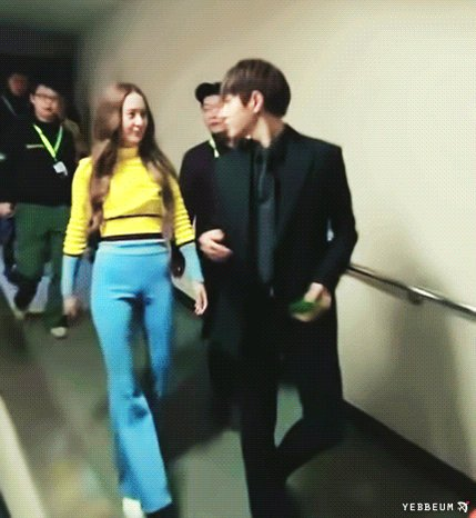 Happy birthday krystal jung!   stay strong! (bringing my favorite gif of all time)