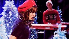 I hope @LeaMichele  is perfoming #christmasinnewyork  at Macys Thanksgiving Parade. #allthefeels