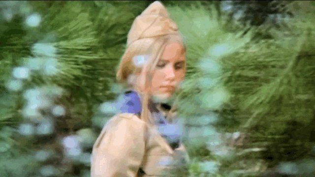 """Today?? It's #NationalTakeAHikeDay !! I love this episode...  #bradybunch takin' on some issues!! 👍🏼👍🏼 """"I think I should have the chance to try""""... """"I just wanted to prove to myself I could do it"""" 💕@MoMcCormick7 💕"""