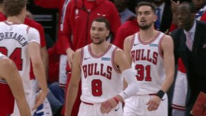 @NBATV @SacramentoKings @chicagobulls Zach LaVine drops 20 of his 28 PTS in the 2nd half as the @chicagobulls hold on for the W! https://t.co/scaMTnW80g