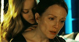 Happy birthday to Amanda Seyfried AND Julianne Moore!