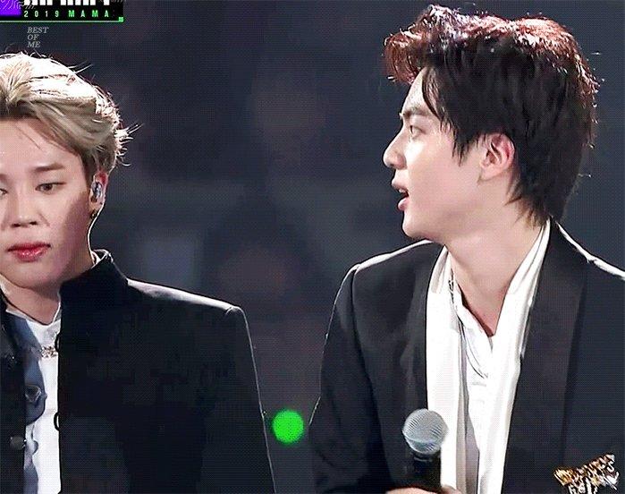 creo que seokjin estaba un poco asustado por lo que dijo en su discurso pero después se ves a nam como aplaudía para él suspiró con alivio... debió sentirse tranquilo y que tenía quienes lo respaldaban