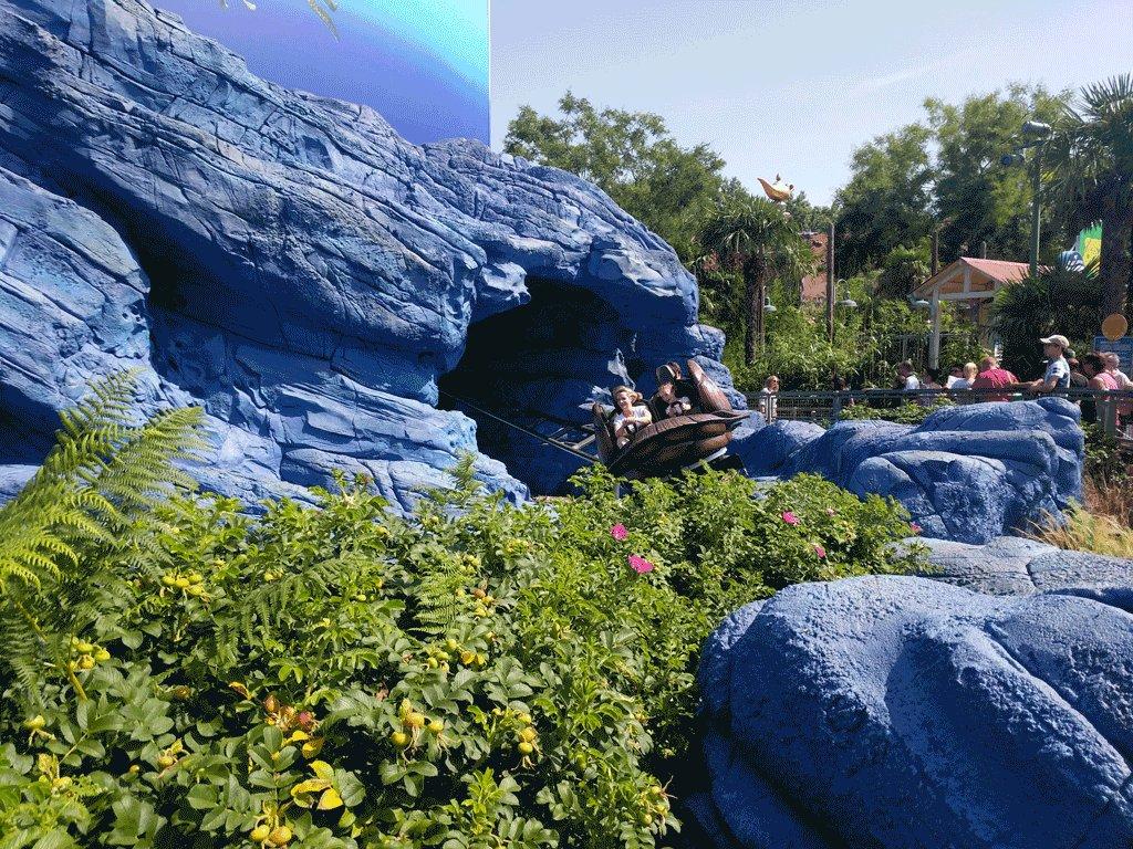 Crush's Coaster has been reopened after an interruption of 15 minutes. #WaltDisneyStudios #DisneylandParis #DLP