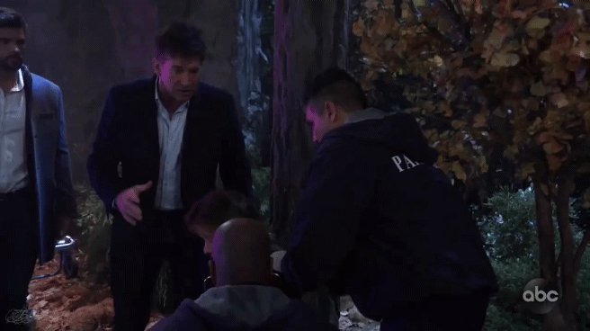 Large and in charge. This is how you command a scene.  #Neil #Alexis #SexyShrink #Nelexis #GH
