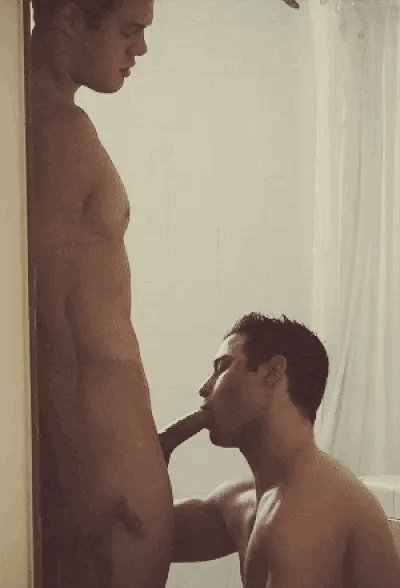 dragon-porn-fratmen-shower-blow-job-red-tube