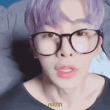 Somebody wanted Wonho with purple hair so.. here it is Wonhos Purple/Lila hair a Thread 💜💜💜 #YoListenStarship #7명으로_무대를_꽉_채우자 @OfficialMonstaX @STARSHIP_STAFF @STARSHIPent