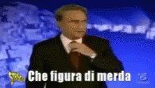 """#AtalantaMilan #Milan  Dove siete ora? Quando scrivevate #vlahovic e cantavate l'inno della #Fiorentina?  """"A manciatibi stu bellu panettone di #Natale"""" #MilanosiamoNoi 🖤💙"""