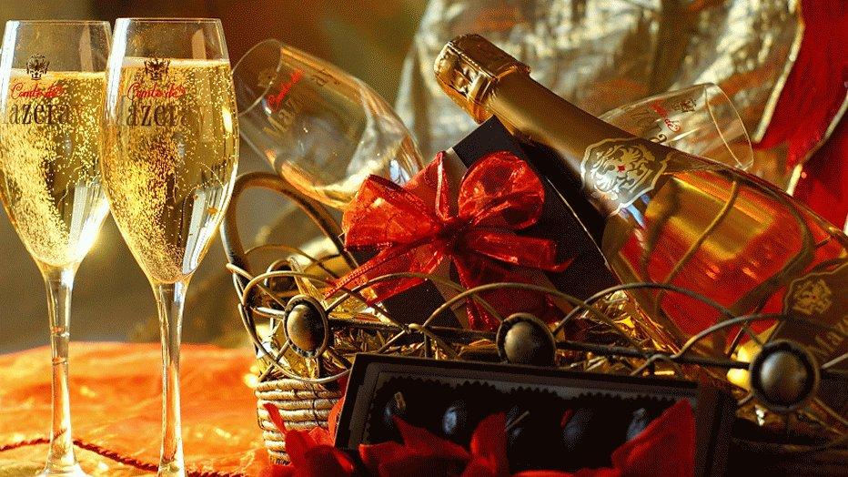 открытки с шампанским за новый год уверенность