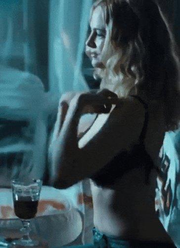 Heather graham heats up mexico in sexy bikini