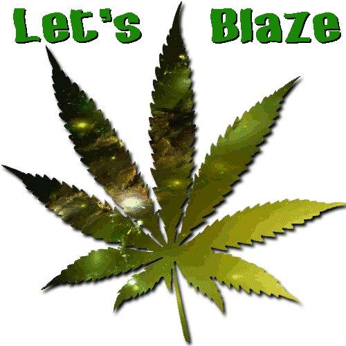 Image for the Tweet beginning: Let's blaze #stonerfam 🔥🍃💨💚  #legalizeit #Cannabis