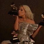 Dans tout juste 3 heures, la pré-cérémonie des #Grammys  débutera.  Les résultats des catégories : #BestCompilationSoundtrack  ✨