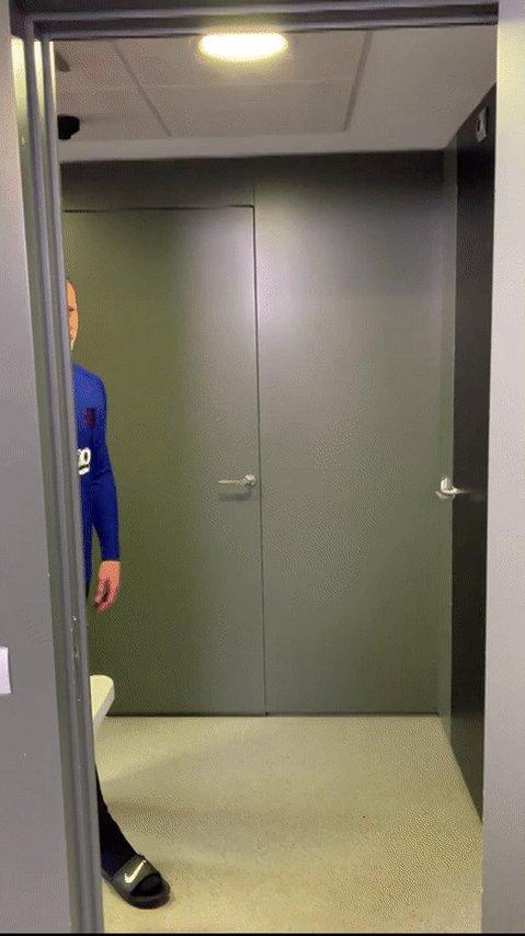 1⃣ Getafe maçındaki 69 pası ile @mterstegen1, La Liga'da (2005/06'dan bu yana) bir maçta en çok pas yapan kaleci oldu.  Orta saha oynar mı? 😎