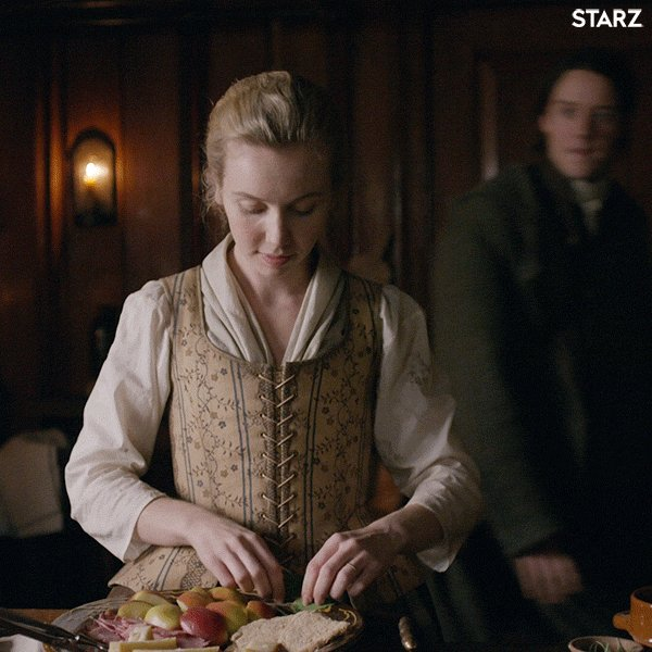 You name it,  #MarsaliFraser can do it. *Mother her babies? 🤱🤰Oh aye  *Sew? Yep *Tend the malting floor? 🥃Got it *Hunt for meat & butcher a buffalo? *Tend to her home & her man? Oui! 🧹🧺🛌🕯🏡👨🏻👶🏼👶🏻 What are your fave Homemaker #MarsaliMoments? #Outlander  @LlaurenLyle