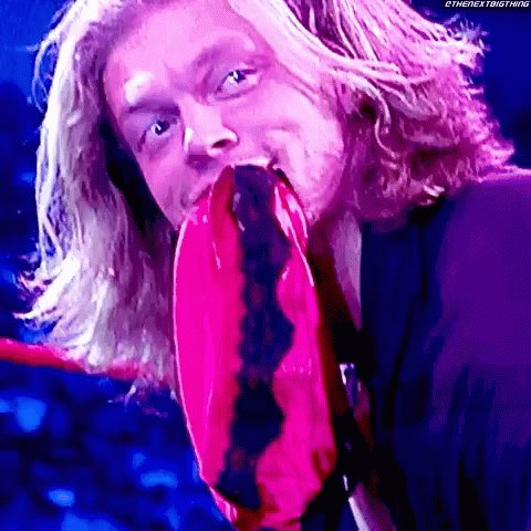 Am I the only one questioning why @MATTHARDYBRAND is sticking up for Edge? I get it, Edge is great.  But... #itsstillrealtome #RAW #wwe #AskTheHeel