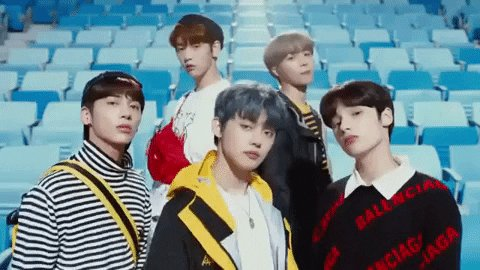 @TXT_bighit I love TXT😍😘☺ because they brigthen us.#TOMORROW_X_TOGETHER  #MOA