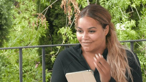Checking your bank balance after a night out and seeing you still have money left 😍 #CelebEx