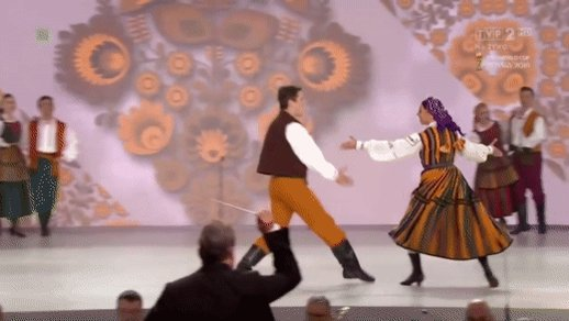 One of the most iconic moves in Polish folk dance - Oberek