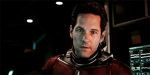 HAPPY BIRTHDAY PAUL RUDD just pretend i said something funny about his agelessness
