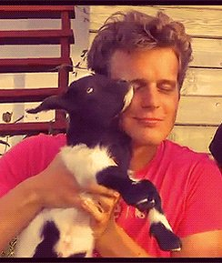 Happy birthday to jonathan groff....hope that good boy has a good day