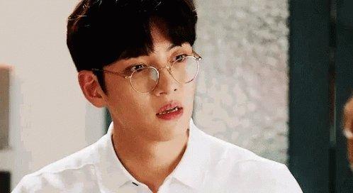 @Shoomz Hmm. Have you seen his cute face though? I should draw Ji Chang Wook!