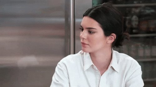 kendall unshockable since her dad killed someone and turned into a woman. #kuwtk pic.twitter.com/ofYeY955Jq