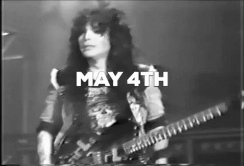 Happy Birthday Mick Mars, a great guitarist!
