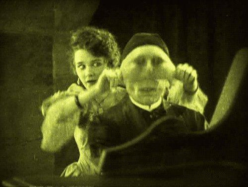 MONDAY! … PHANTOM OF THE OPERA (1925) by Rupert Julian #classic #horror Lon Chaney Sr pic.twitter.com/BXJWAEnHBI