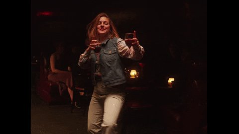 Finally made it home from work!!  It's Amy time bitches!!!!   #partytime pic.twitter.com/dBBMAZum66