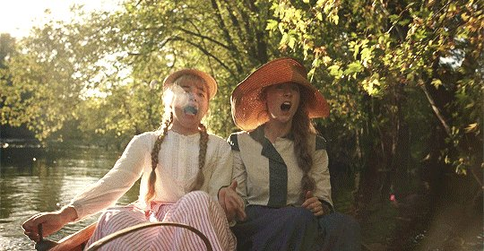 Florence Pugh and Saoirse Ronan behind the scenes of Little Women (2019)