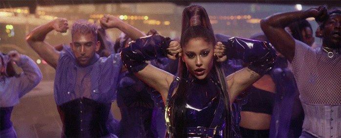 "iTunes Worldwide:  #1. ""Rain On Me"" — @LadyGaga & @ArianaGrande (=) *3 days at #1*pic.twitter.com/JQDJNTTAJX"