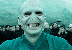 """""""One may smile, and smile, and be a villain."""" Hamlet A1 S5 #ShakespeareSunday #HarryPotter pic.twitter.com/JEBhI76EZQ"""