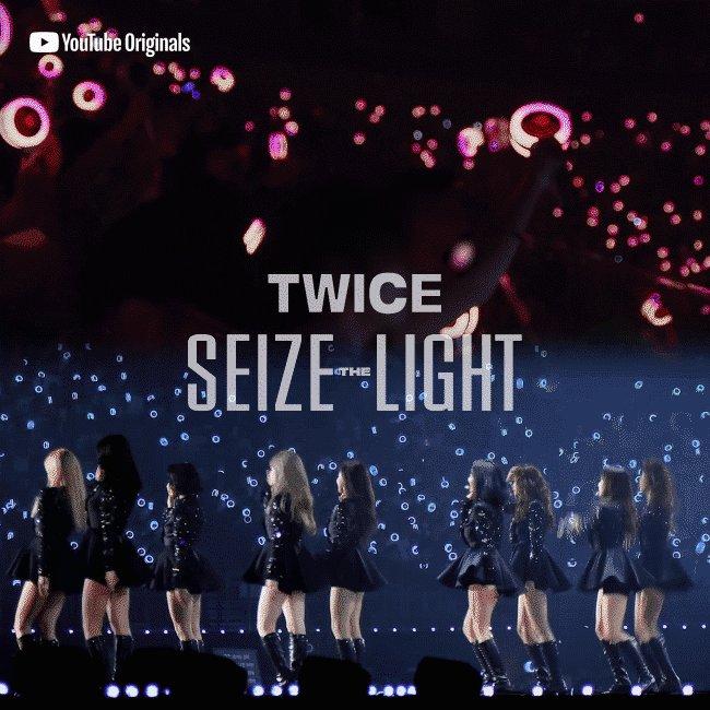 본업 잘하는 트와이스 Full Ver. 에피소드 5 공개 준비완료!  원스도 본방사수 준비완료?🍭  Today 11PM KST TWICE YouTube Channel TWICE: Seize the Light Episode 5 👉👉 https://t.co/s8gXv0VEsk  #TWICE #트와이스 #YouTubeOriginals #SeizetheLight https://t.co/eSXIBP7fm2