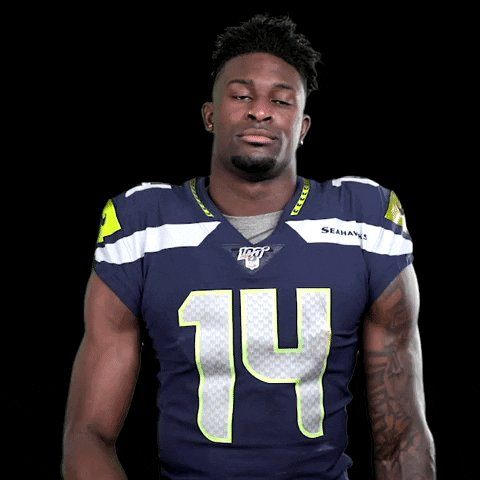 When they try to tell us Jaquiski Tartt stripped @dkm14 of the football at 49ers 2-yard line 🤔  #MNF   #GoHawks https://t.co/43LdskOE0m