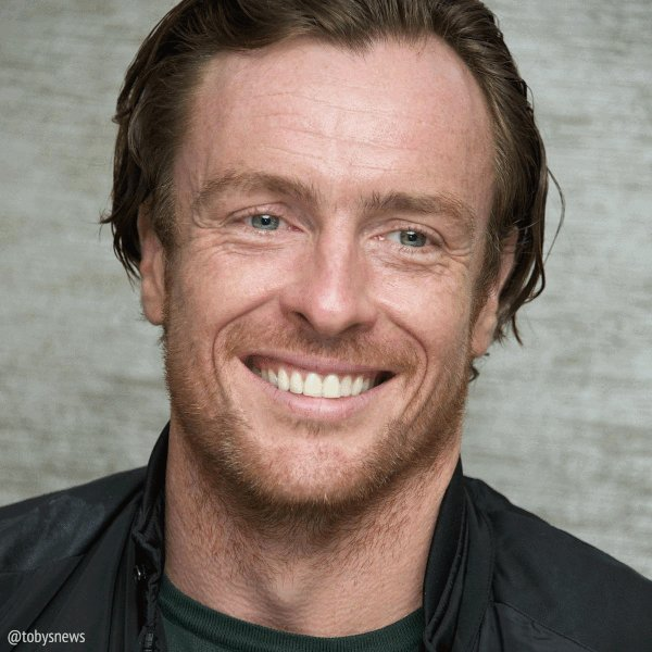 A #photographer spotlight. We love the smile in this brilliant series by @Vera_Anderson from 2013!  Good morning! Stay safe everyone! Read a book, hydrate and donate to a good cause!   Vera Anderson #TobyStephens #portraitphotography #ThrowbackThursdaypic.twitter.com/KtkaiMmYpF