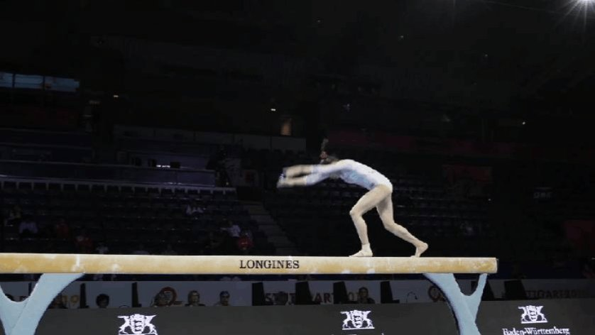 Liu Tingting 🇨🇳 Front HS Step Out + Front Tuck A classic 🥰