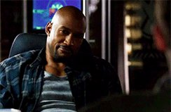 Happy Birthday to this Man right here, Henry Simmons.