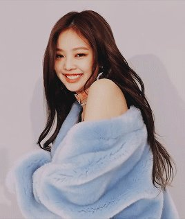 RT @galaxinad_: why there still people don't like her?? i don't understand:( #YGPROTECTJENNIE  #JENNIE https://t.co/28hP9cQ8QU