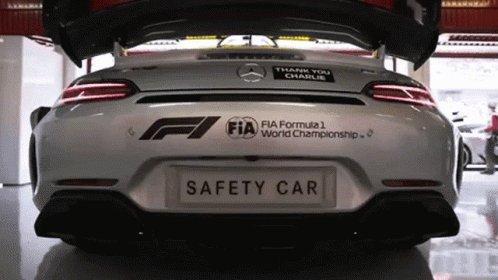 @F1 warm up https://t.co/B8d9fPCdS6