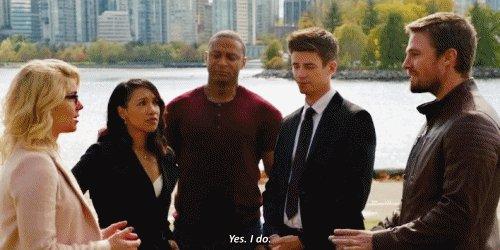 One #Arrow #Olicity or #OTA gif per day. Season 6 crossover event: gif F: fraking finally! https://t.co/jeN7hpn1Qm