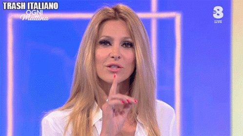 #AdrianaVolpe