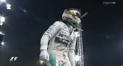 BREAKING NEWS: @LewisHamilton Wins The Styrian Grand Prix🏎🏎🎊👏  He takes victory from pole ahead of @ValtteriBottas (P2) & @Max33Verstappen (P3)  #AustrianGP 🇦🇹 #F1 #StyrianGP #LewisHamilton #COVID 🗞 #YorkshireAnalysis 🏛 #YorkshireHoldings ℱᵒᒻᒻᵒ꒳👉 @Yorkshirehldgs https://t.co/VJW2gHTDg9
